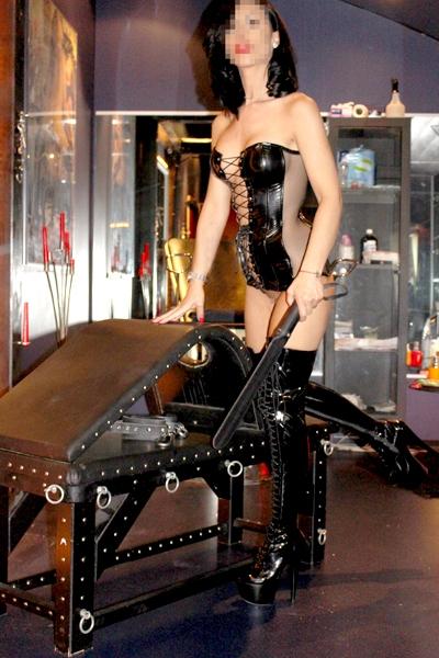 Erotikanzeige von Herrin Angela 25