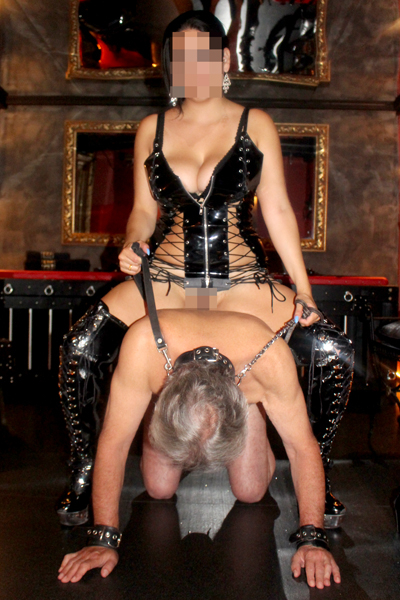 Willst du meine Sklavensau sein  - Herrin Lara 24, CH 29523703